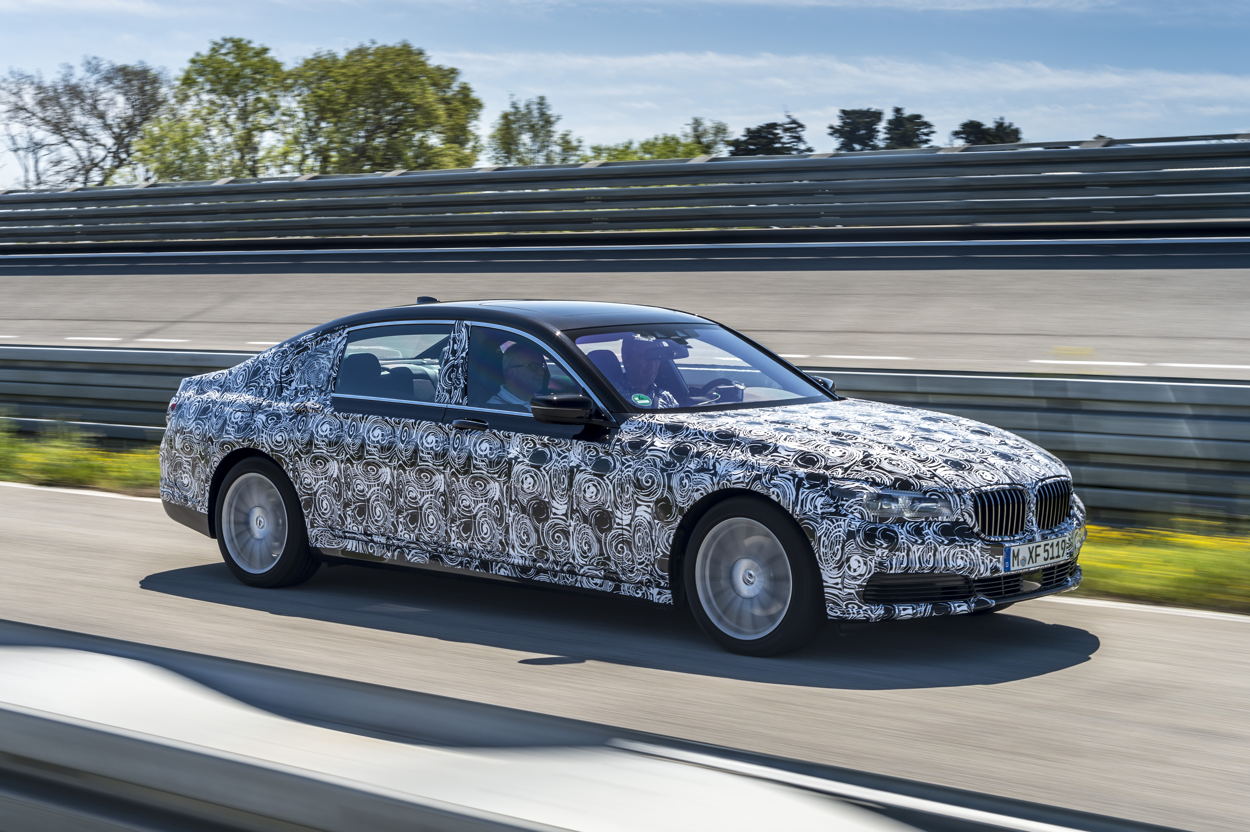 2016 BMW 7 Series Will Park Itself With No One In The Car